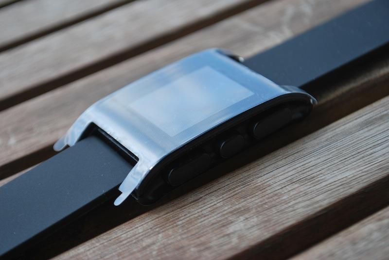 5. Pebble - zegarek w folii