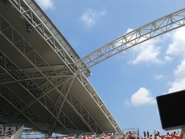Retractable_Roof_of_Singapore_National_Stadium
