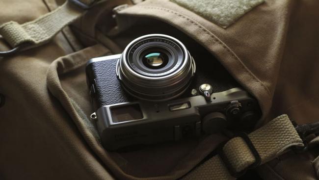 Fujifilm-Finepix-X100-2