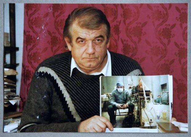 Profesor Religa ze swoim słynnym zdjęciem