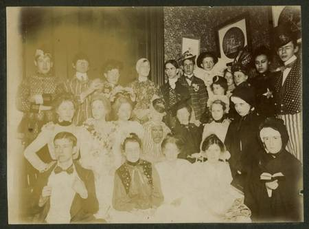 Vintage_Halloween_Costumes