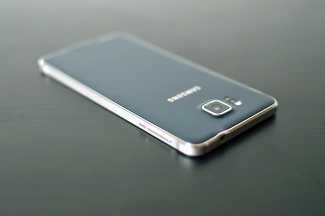 Samsung Galaxy Alpha 028