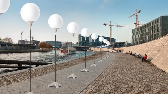 mur berlinski balony 5