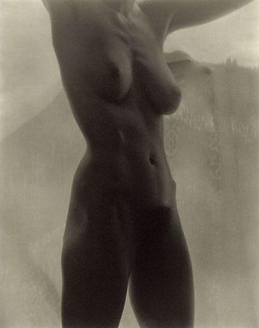 """14. Alfred Stieglitz """"Georgia O'Keeffe Nude"""" (1919), dol. 1.360.000 dol."""