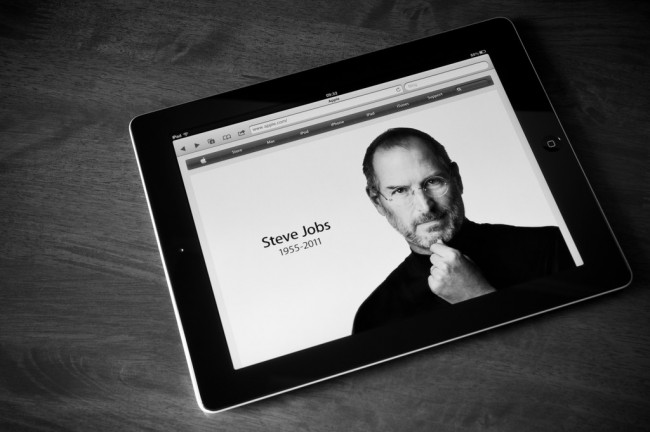 apple-ipad-steve-jobs