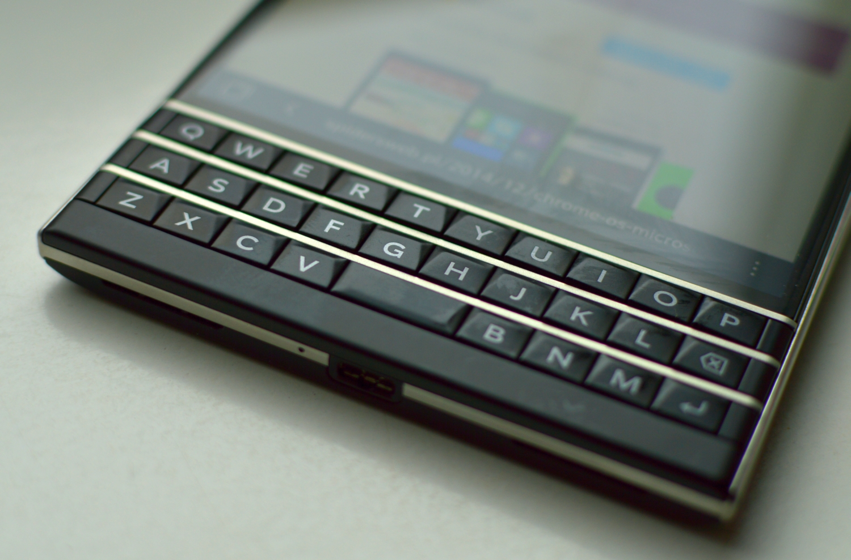 blackberry passport 007