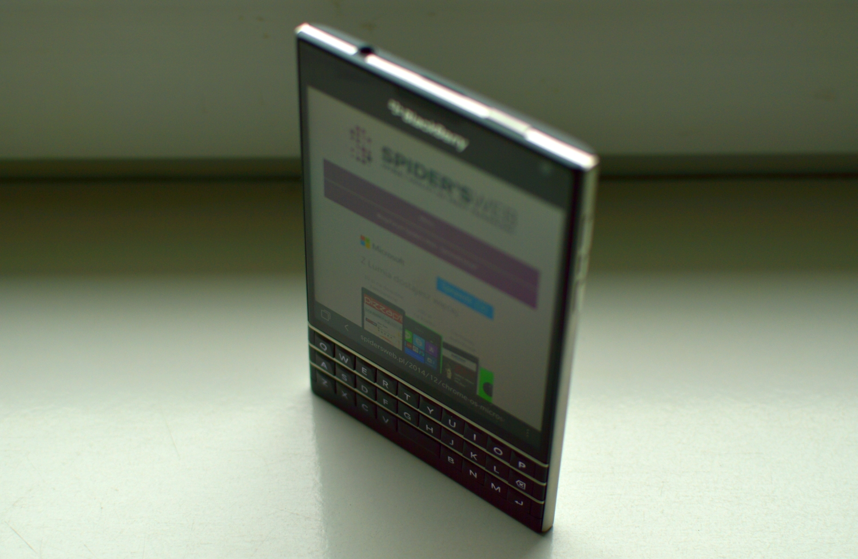 blackberry passport 008