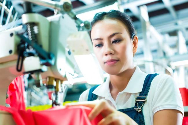 Bezrobocie technologiczne może sprawić, że taka fabryka przestanie działać, a jej pracownicy stracązatrudnienie.