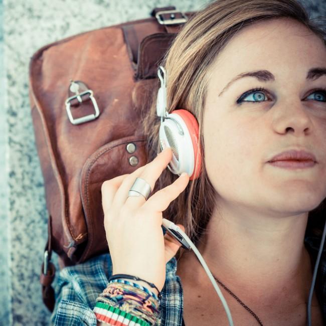 muzyka-sluchawki-deezer-spotify-streaming-muzyki