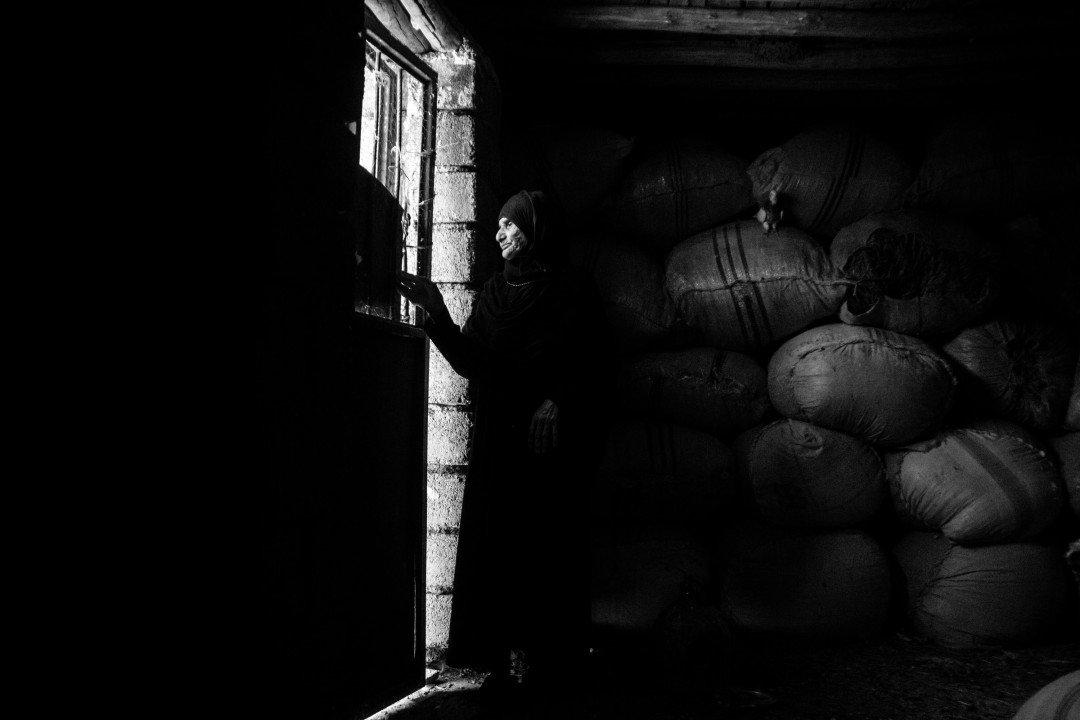 """Wyróżnienie specjalne w kategorii Problemy współczesne, cykl – """"Matki cierpliwe"""", fot. Fatemeh Behboudi (Iran)"""