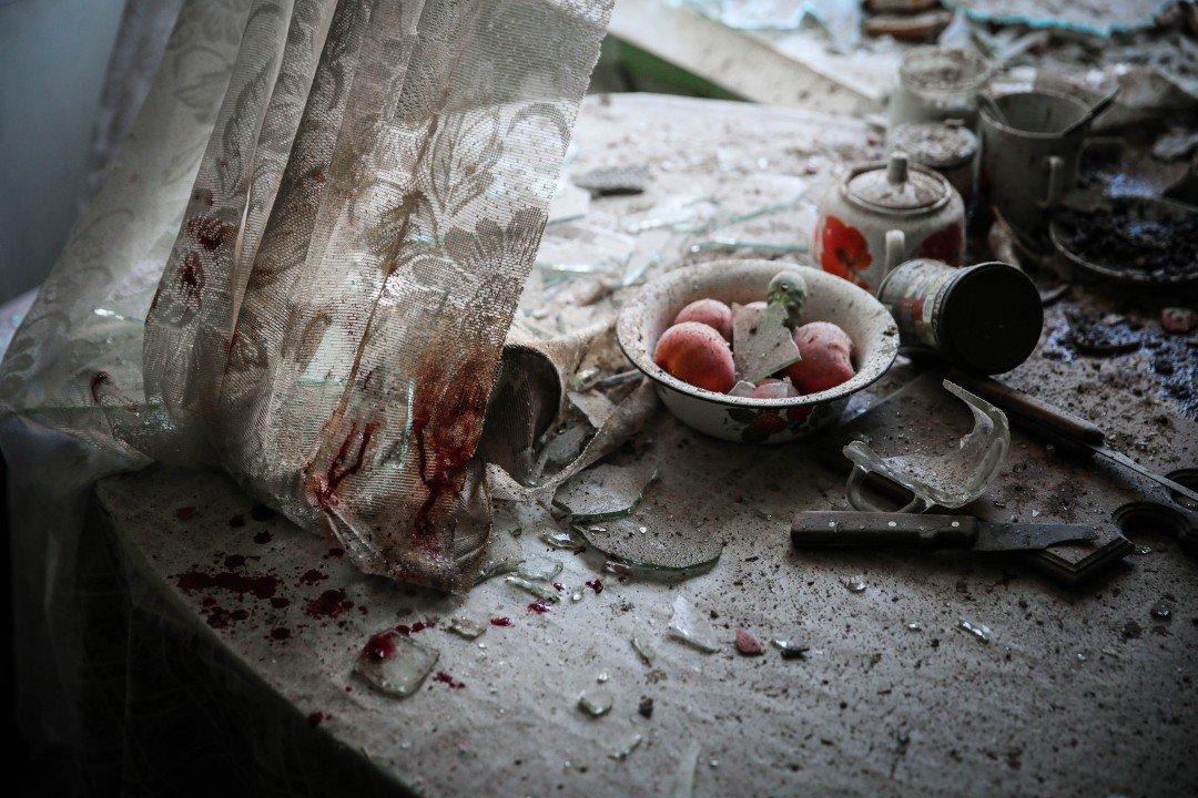 """1 miejsce w kategorii Zdarzenie, zdjęcie pojedyncze – """"Stół kuchenny"""", fot. Siergiej Ilnitsky (Rosja)"""