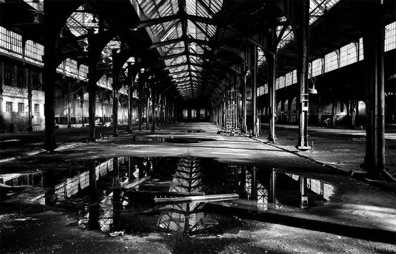 """""""Abandoned Workshop #2"""", fot. Agnieszka Domańska. Wyróżnienie w kategorii DARKNESS"""