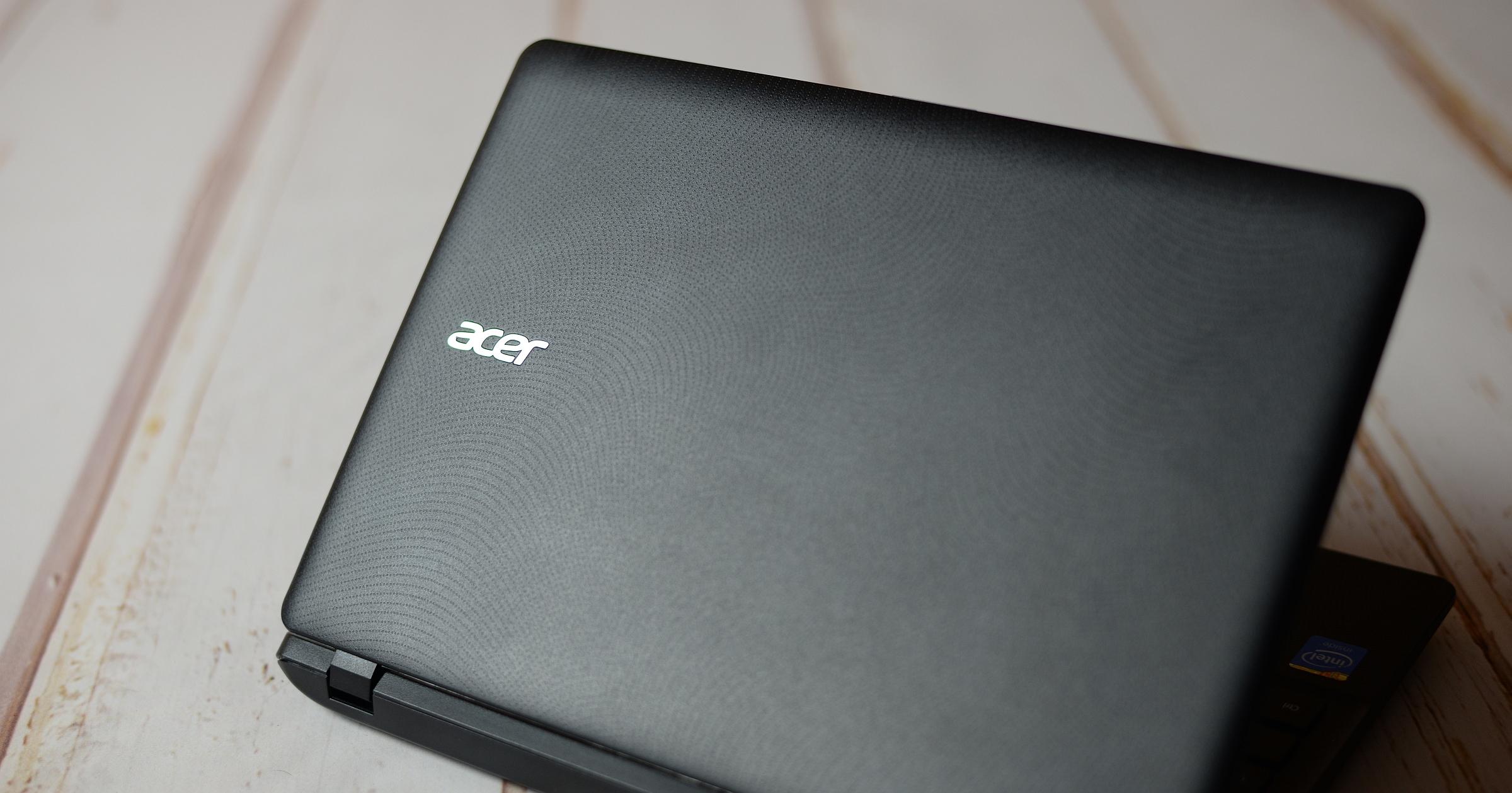 Acer-E11-back