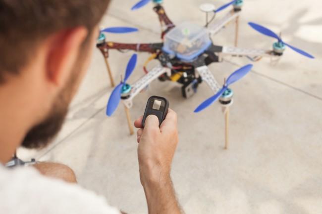 dron-pilot-sterowanie