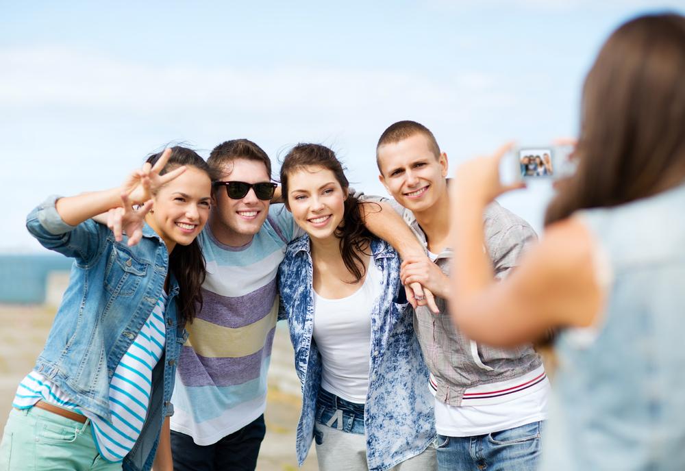 selfie friends love smartfon