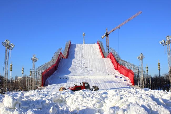 sztuczny-stok-narciarski