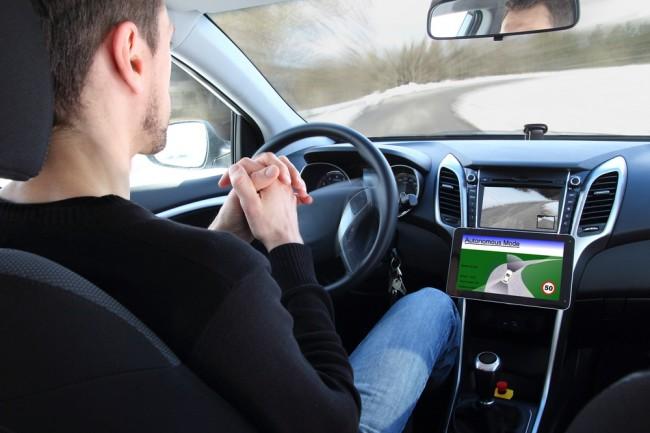 autonomiczny-samochod-robot-maszyna (1)