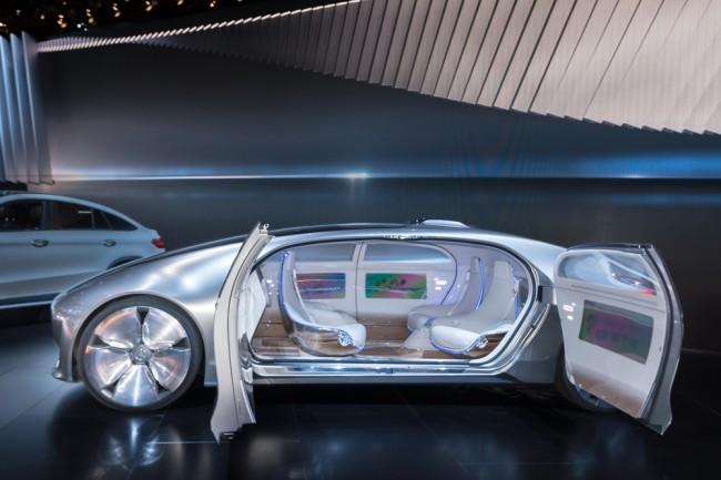 autonomiczny-samochod-robot-maszyna (2)