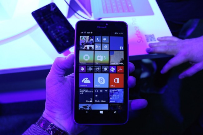 Microsoft-Luima-640-XL-1