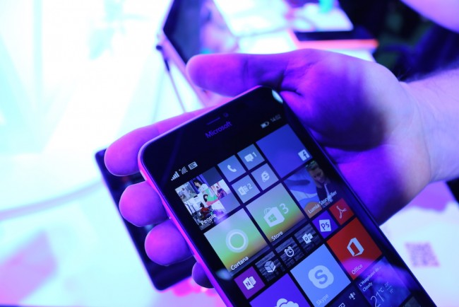 Microsoft-Luima-640-XL-4
