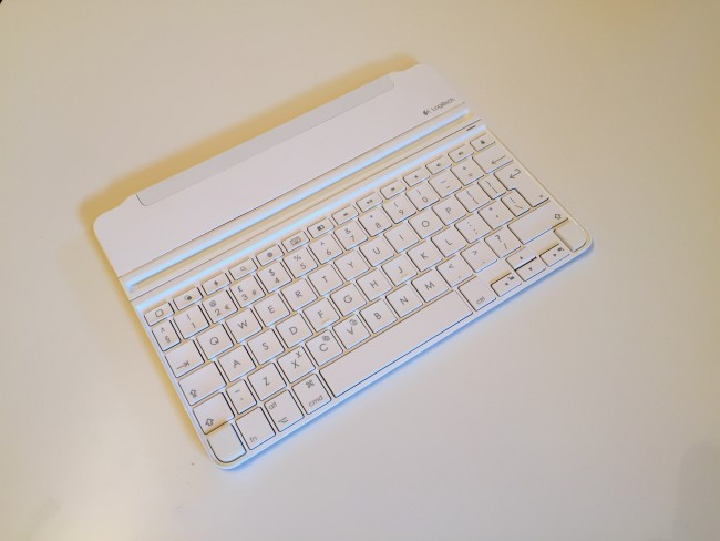 logitech-ultrathin-ipad-air-2-keyboard-3