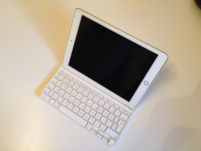 logitech-ultrathin-ipad-air-2-keyboard-4