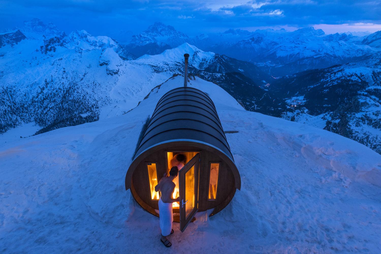 Autor: Stefano Zardini. Sauna na wysokości 2,800 m w Dolomitach. Monte Lagazuoi, Włochy. Wyróżnienie