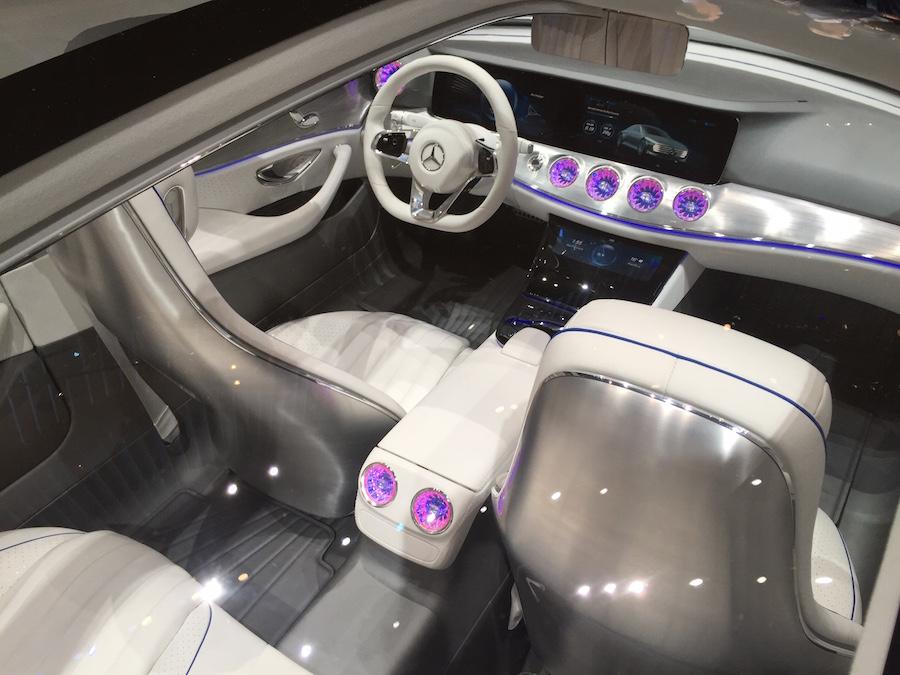Mercedes IAA, 3