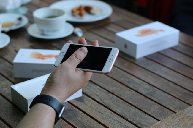 iPhone 6s i 6s Plus, 1