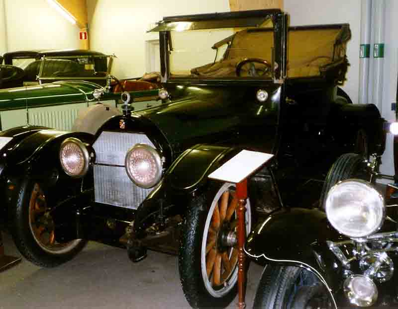 """Cadillac V8 Cabriolet 1916"" by Lars-Göran Lindgren Sweden - Own work. Licensed under CC BY-SA 3.0 via Wikimedia Commons."