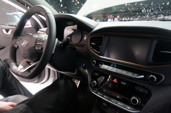 Hyundai IONIQ (2)