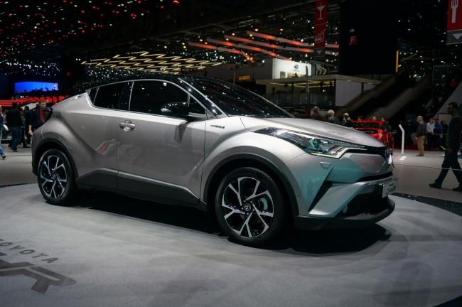 Toyota CH-R (1)
