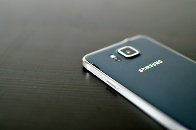 Samsung Galaxy Alpha 035