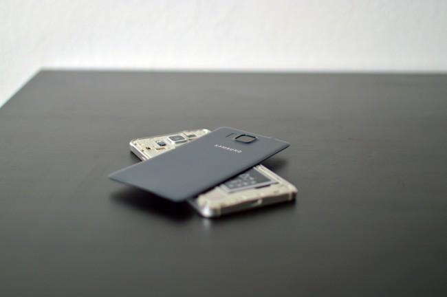 Samsung Galaxy Alpha 036