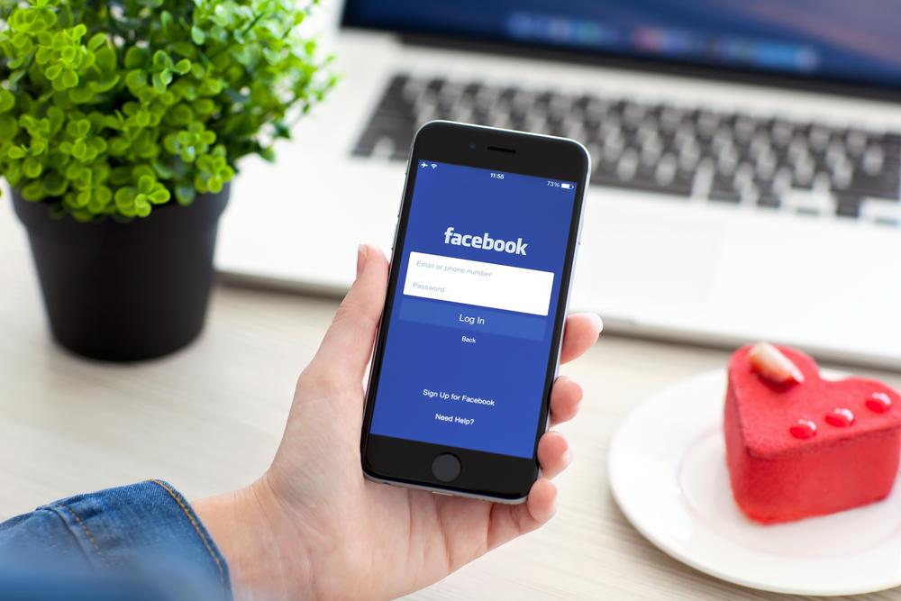 facebook smartfon