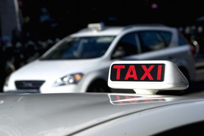 taxi taksówki przewóz osób transport uber