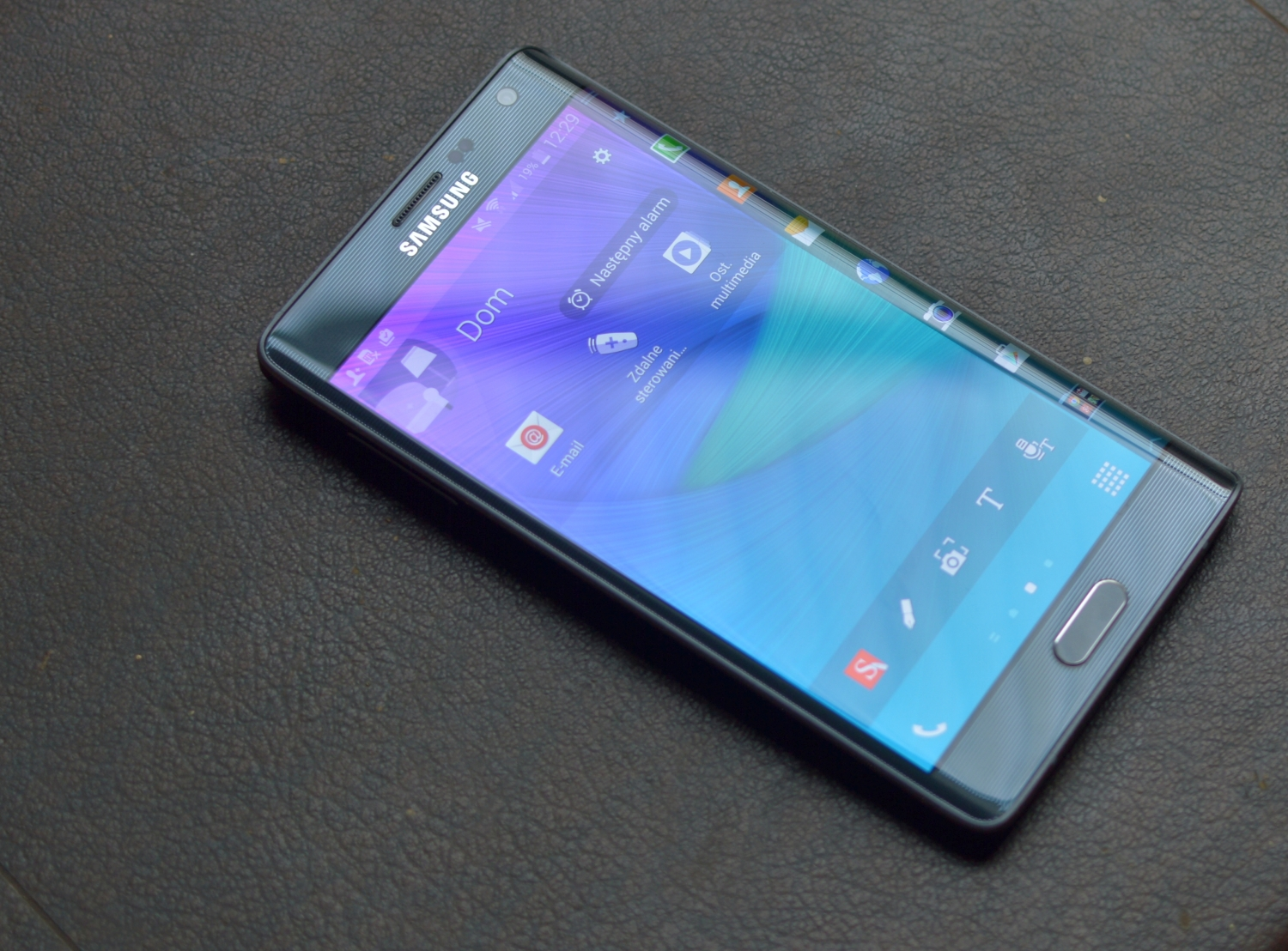 samsung galaxy note edge 002