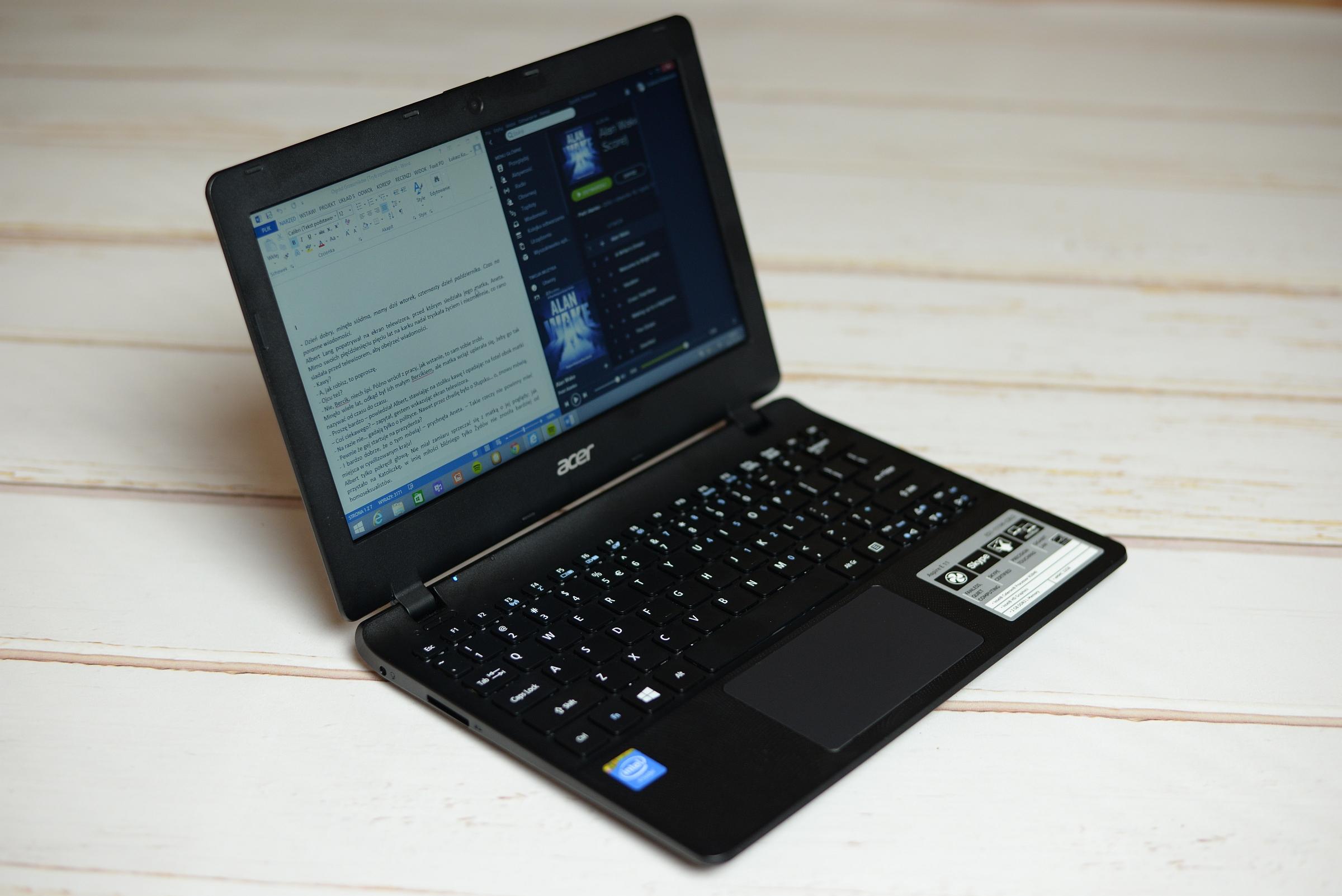 Acer-E11-1