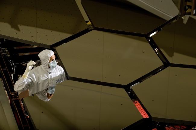 James_Webb_Space_Telescope_Mirror38