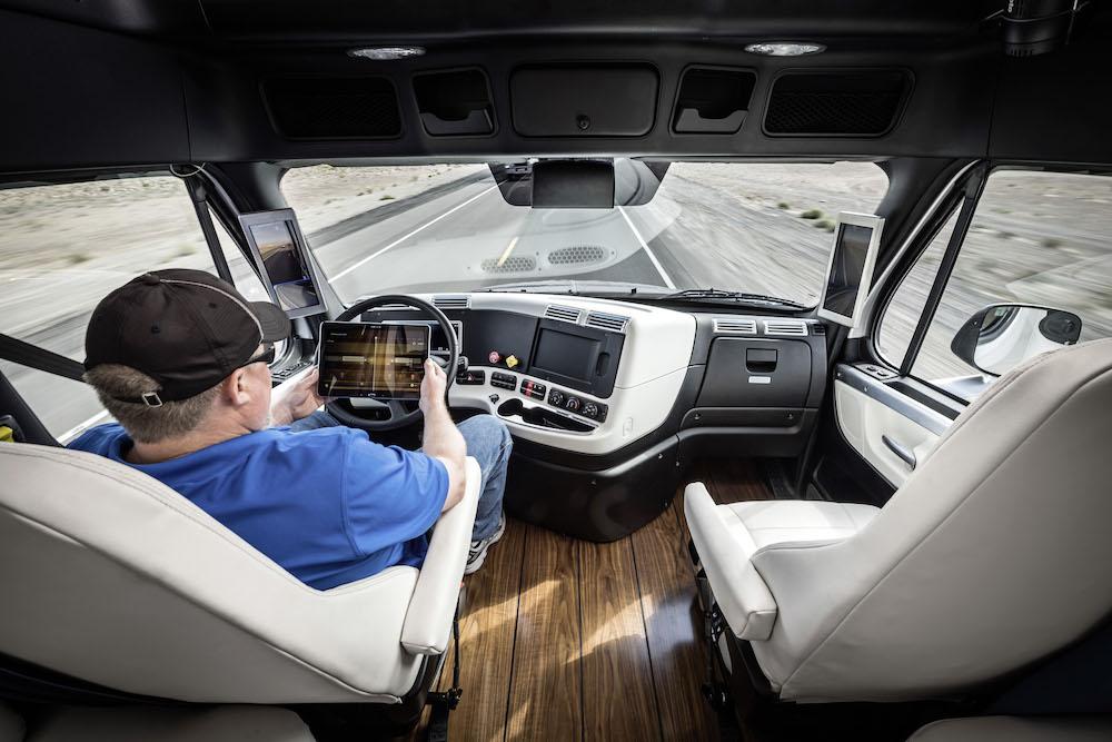 World Premiere Freightliner Inspiration Truck