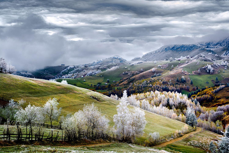 Autor: Eduard Gutescu. Zima w Pesterze, Rumunia. Wyróżnienie