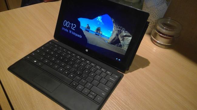 Surface Pro uwieczniony za pomocą aparatu Surface Pro 4