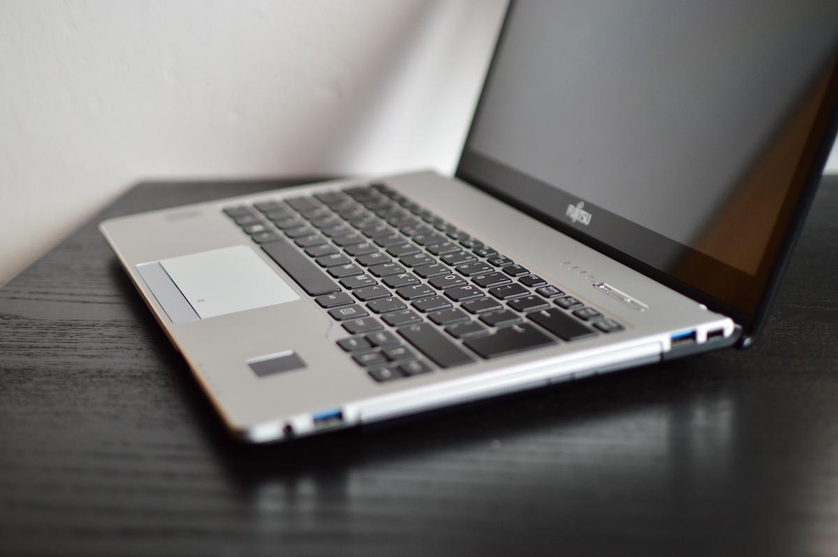 Fujitsu Lifebook S935 8
