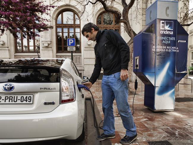 Prius Plug-in jest dziś o wiele bardziej uniwersalny, niż auto elektryczne
