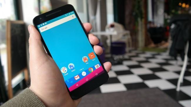 LG Nexus 5X wyświetlacz