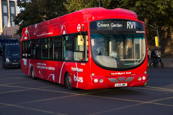 Hydrogen-Bus-London-700x467