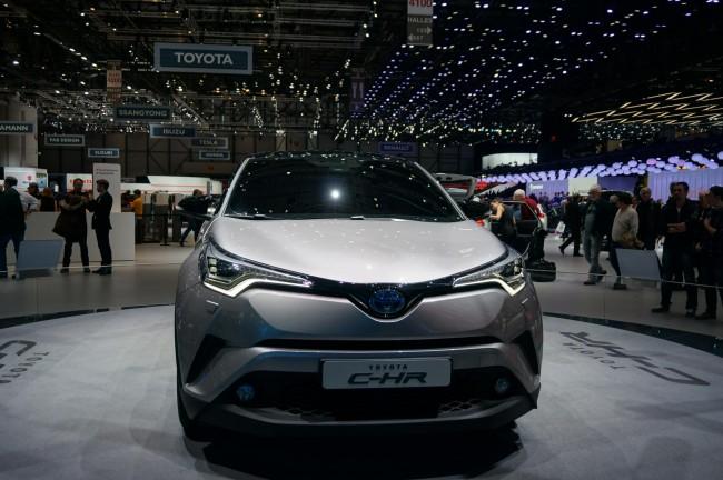 Toyota CH-R (2)